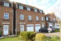 College Green semi detached house to rent