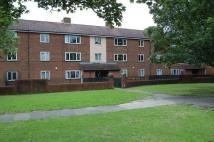 2 bedroom Flat in WEST FARM AVENUE...