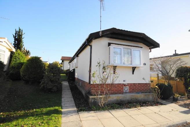 2 bedroom park home for sale in bournemouth dorset bh10
