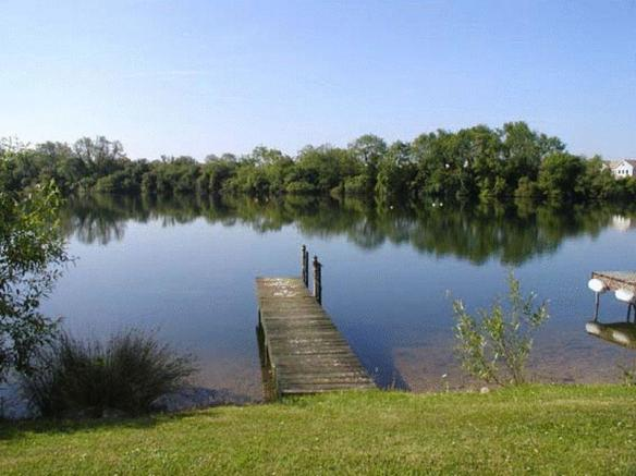 Spring Lake South Cerney Property For Sale