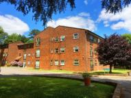 2 bedroom Flat for sale in Crown Point House...