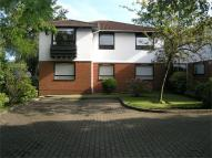 2 bed Ground Flat in Blandings Court...
