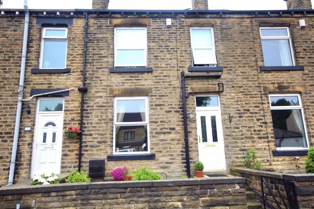 3 bedroom terraced house for sale Wyke Lane, Bradford, West Yorkshire (1)