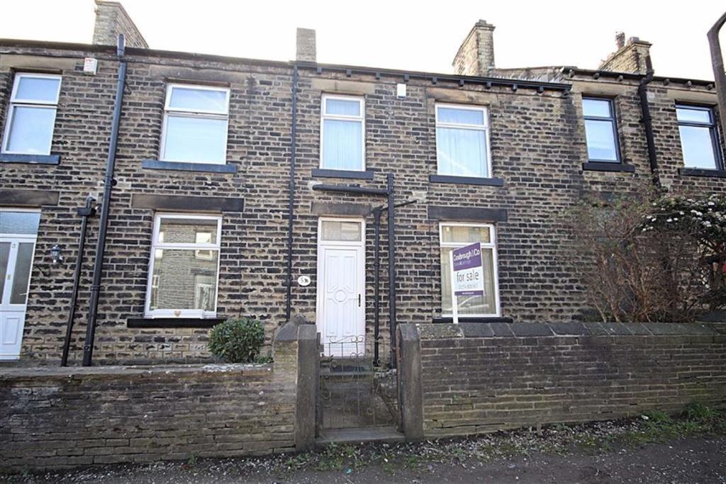 3 bedroom terraced house  Wroe Terrace, Wyke