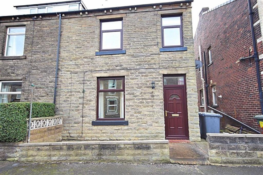 2 bedroom end of terrace house for sale Neville Street, Cleckheaton, West Yorkshire