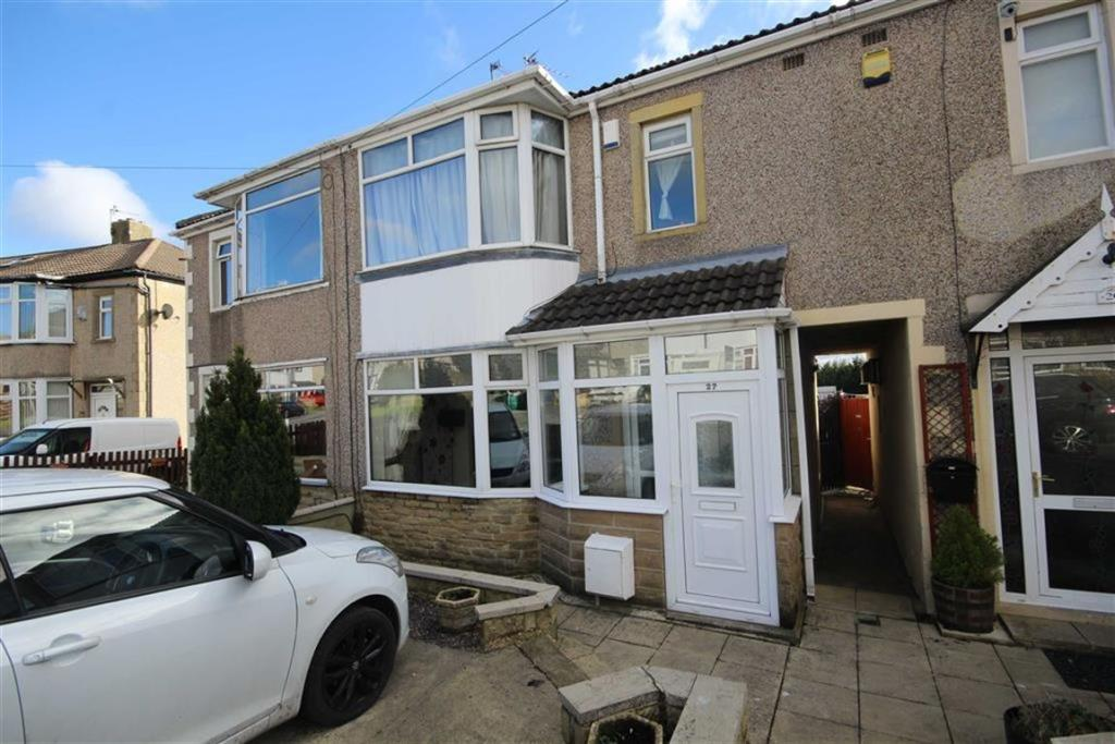 3 bedroom terraced house  Larch Hill Crescent, Bradford