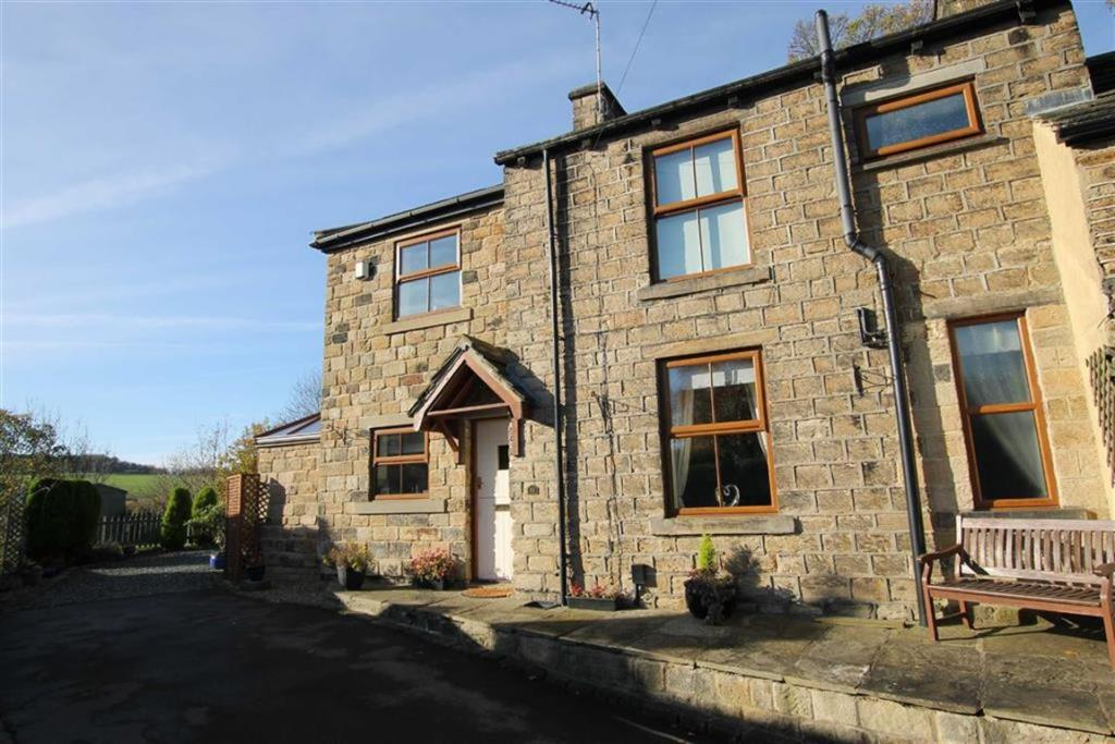 2 bedroom cottage  The Clough, Mirfield