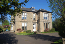 2 bed Flat to rent in Victoria Road, Lenzie...