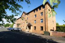 Flat to rent in Alexandra Avenue, Lenzie...