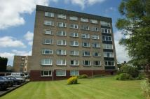 Flat to rent in 5C Lennox Court...