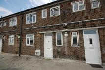 Maisonette for sale in Petersfield Avenue...