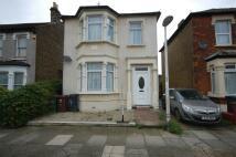 4 bedroom Detached house in Whalebone Grove...