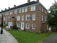3 bed Maisonette to rent in Stonehills Court...