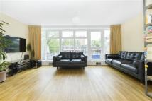 3 bed Terraced property in Giles Coppice, London