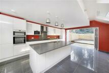 5 bedroom Terraced property in Ivydale Road, Nunhead