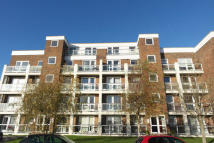 2 bedroom Penthouse in Harewood Close...
