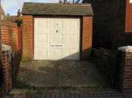 Garage in Motcombe Road, Old Town to rent