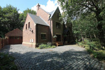 6 bedroom Detached home for sale in LEVER PARK AVENUE...