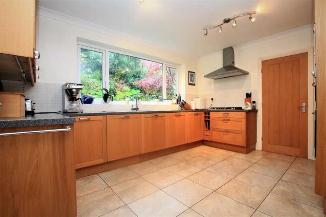 74 Rigby Lane kitchen 1.JPG