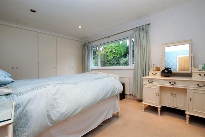 74 Rigby Lane bed 1.JPG