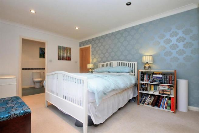 74 Rigby Lane bed 1a.JPG