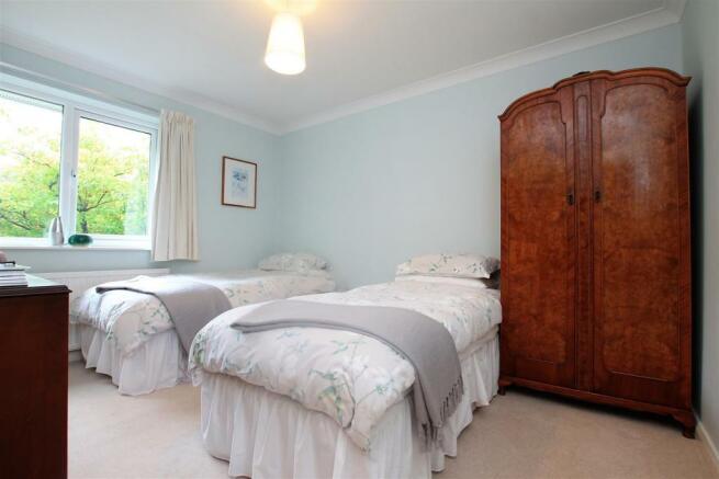 74 Rigby Lane bed 3a.JPG
