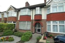 3 bed house in Cloister Road, Acton...
