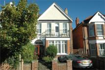 6 bedroom home in Buxton Gardens...