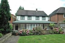 4 bed house in Chatsworth Road...