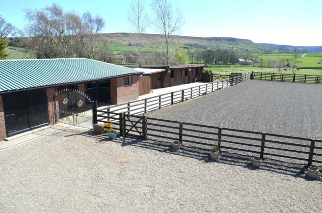 Stables & Menage