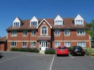 Ground Flat to rent in Peterhouse Close...