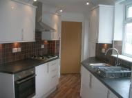Flat to rent in Beechwood Drive...