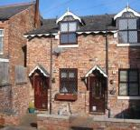 Mews to rent in Frances Street, Cheadle...