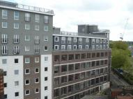 Apartment to rent in Hatton Place, Luton...