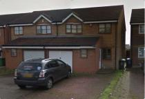 3 bed semi detached property to rent in Clemence Road, Dagenham