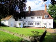 4 bedroom Detached home to rent in Windlesham, Surrey