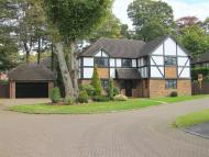 5 bed Detached house in Camberley, Surrey