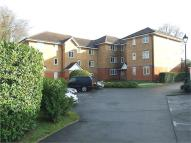 Ground Flat to rent in CROWTHORNE, Berkshire