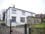 3 bedroom Detached home in Carlinghow Lane, Batley...
