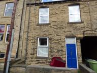 2 bedroom Terraced house in South Parade, Cleckheaton