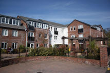 1 bed Apartment in Booths Hill Close, Lymm...
