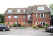 Ground Flat in 8 Bath Road, THATCHAM...
