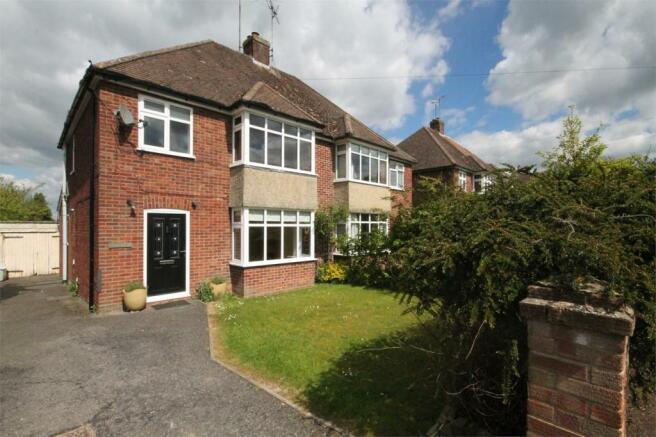 3 bedroom semi detached house for sale in newbury berkshire rg14
