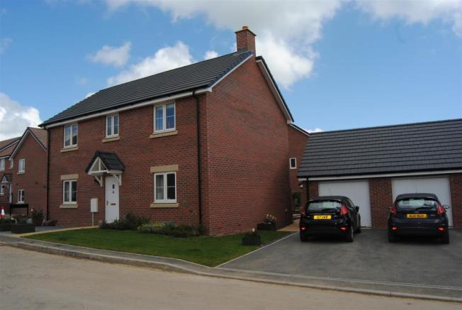 4 Bedroom Detached House For Sale In Hewlett Place St Andrews Ridge Swindon Sn25