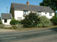 3 bed Cottage in East Claydon Road Winslow