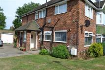2 bedroom Maisonette to rent in Sterling Avenue, Edgware