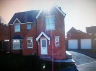 Detached property to rent in The Oval, Wakefield, WF1