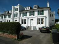 3 bedroom Flat in Crescent Road...