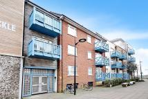 2 bed Flat for sale in Little High Street...