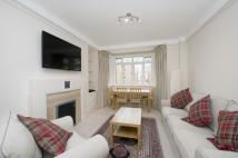 3 bed Flat to rent in Chatsworth Court...